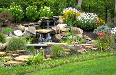Charmant Meditation Gardens